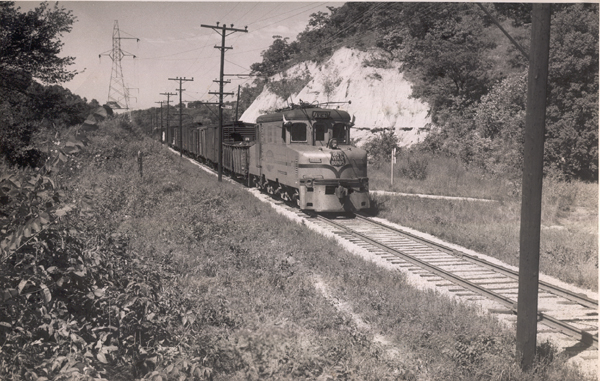 "ITC Class ""D"" Southbound at Matheny Cut, Caldwell Hill, South of East Peoria"