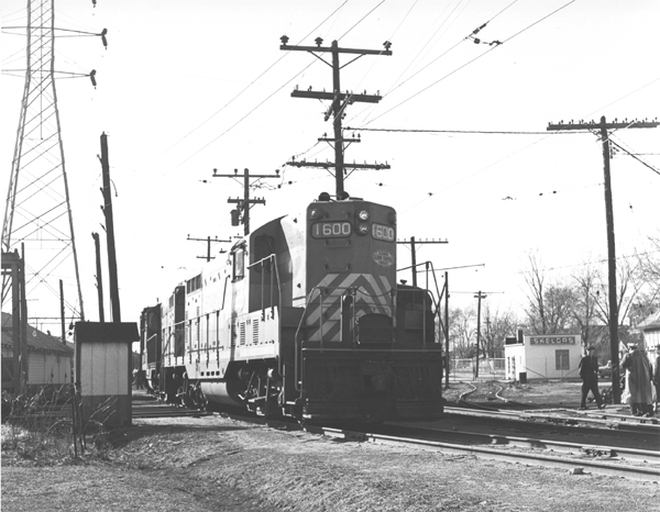 ITC Train #202 with GP-7 #1600 prepares to depart LeClaire Yard,  Edwardsville, Illinois